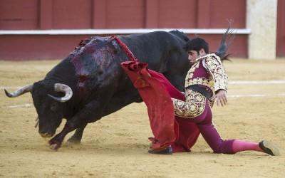 Salvador Vega corta la única oreja de la segunda de abono
